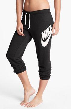 Nike 'Rally' Capri Sweatpants | Nordstrom
