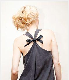 T-Shirt Trendy http://www.passiondiy.com/t-shirt-trendy/ Protagoniste della #moda fai da te, le #t-shirt si prestano ad ardite e creative trasformazioni…