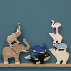 Animaux en bois : Ours, éléphants, baleine, flamant rose, pingouin, hippopotame et orque