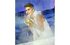 Review: Justin Bieber puts on a show in Vancouver
