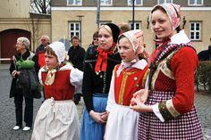 Børnefolkedans i Store Heddinge ved en tidligere lejlighed. Næste år i 2017 rykker landsstævnedeltagerne ind i Store Heddinge og på kommunens plejehjem for at optræde onsdag 19. juli.