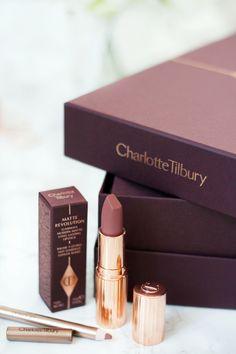 Charlotte Tilbury Pillow Talk - La beauté et le chic - Beauty - Lipstick Charlotte Tilbury, Beauty Makeup, Eye Makeup, Brown Makeup, Makeup Box, Makeup Case, Makeup Geek, Too Faced, How To Pose