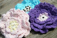 Flowerpins by Liselotte, via Flickr