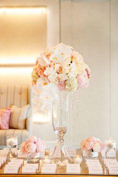 51 Trendy ideas for wedding table setup escort cards Wedding Table Setup, Wedding Table Centerpieces, Ceremony Decorations, Flower Decorations, Card Table Wedding, Elegant Wedding, Floral Wedding, Wedding Flowers, Dream Wedding