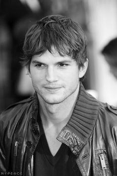 Ashton Kutcher hot damn