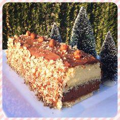 Bûche vanille, chocolat, fève tonka ! Un vrai délice ! Recette sur www.croquantetgourmand.com