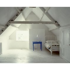 I've always loved these attic rooms. The angled celings!