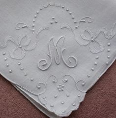 Antique Style: Hanky Primer #1: Antique Monogrammed Hankies