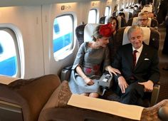 ~ October 13th 2016 ~  At the invitation of the Emperor of Japan Akihito, Their Majesties the King and Queen conduct a state visit to Japan from 9 to 15 October 2016 in the presence of Deputy Prime Minister and Foreign Minister Didier Reynders and Minister-Presidents of the Communities and Regions.  A l'invitation de l'Empereur du Japon Akihito, Leurs Majestés le Roi et la Reine effectuent une visite d'Etat au Japon du 9 au 15 octobre 2016, en présence du Vice-Premier Ministre et Ministre…