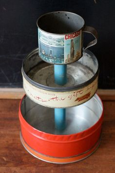 What To Do With Vintage Tea, Spice, & Biscuit Tins – Just Imagine – Daily Dose of Creativity : 3 Tier Desk Organizer Caddy from Vintage Metal Tin Canisters Tin Can Crafts, Crafts To Make, Home Crafts, Fun Crafts, Decor Crafts, Vintage Tins, Vintage Crafts, Vintage Metal, Spice Tins