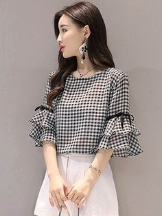 Muy muy bonito Dress Outfits, Cute Outfits, Dresses, Street Style Summer, Blouses For Women, Ladies Blouses, Blouse Online, Western Outfits, Blouse Designs