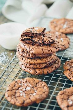 Super chewy Brownie Crinkle Cookies!  Flourless, grainfree, gluten free, dairy free, paleo-friendly via http://barerootgirl.com