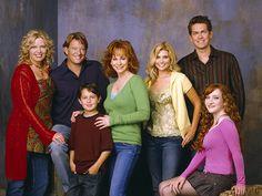 REBA - Season 4 - Cast Promotional Photo