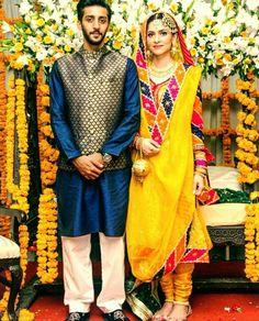 To Place An Order 👇 Whatsapp Store Location : Punjab (India) Gandhi Chownk Phagwara. High Quality With Best Service Worldwide Shipping Pakistani Wedding Outfits, Pakistani Bridal Wear, Pakistani Dresses, Bridal Lehenga, Indian Outfits, Bridal Mehndi Dresses, Wedding Mehndi, Mehndi Brides, Mayon Dresses