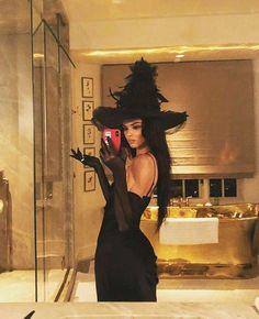 Halloween 2018, Halloween Inspo, Cute Halloween, Kardashian Halloween Costume, Catwoman Halloween Costume, Witches Costumes For Women, Diy Halloween Costumes For Women, Costumes For Teens, Halloween Costumes Brunette
