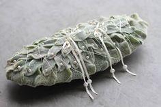 Cuscino delle fedi fatto con foglie di stachys byzantina