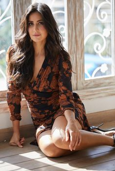 Photoshoot 😍😍😍 hopefully something great will come by tomorrow 😍😍😍 guess some supersweet surprise is on the way 😍😍😍 waiting Katrina Kaif Bikini, Katrina Kaif Hot Pics, Katrina Kaif Images, Katrina Kaif Photo, Indian Bollywood Actress, Bollywood Girls, Beautiful Bollywood Actress, Bollywood Celebrities, Indian Actresses