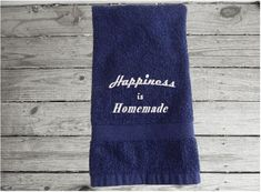 Happiness is Homemade Hand Towel, Country Farmhouse Living – Borgmanns Creations Red Towels, Rustic Home Interiors, Embroidered Gifts, Terry Towel, Country Farmhouse Decor, Color Names, Blue And White, Homemade, Happy
