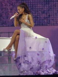 Ari at the Honeymoon tour. Ariana Grande Fans, Ariana Grande Pictures, Bae, Star Wars, Dangerous Woman, Queen, Belle Photo, My Idol, Sexy
