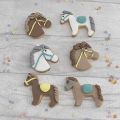 Brand new listing! Gorgeous horse themed cookies, perfect for a gift for that horse mad friend or for party favours for a horse themed birthday party!