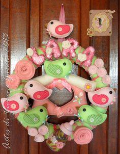 http://www.elo7.com.br/artesdivivianegarcia ou  http://artesdivivianegarcia.divitae.com.br  se alguma artesã ou mamãe quiser essa peça para fazer compre o nosso kit de recorte de feltro: http://www.elo7.com.br/kit-para-montar-seu-porta-maternidade/dp/335C23