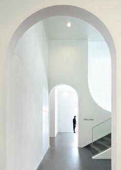 Художественная галерея Hongkun в Пекине #арка #белый #конструктивизм