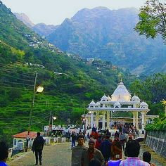 #Katratown is one of the most  #attracted #destination for #devotees from all over #India during the eve #Navratras, because this town is gateway to one  of the most famous temple in India, #Shrimatavaishnodevi and is certainly not a place to missed on the eve of 9 says Navratras festival. Also this is the only temple in the world which opens 24*7.   Happy Navratras Jai mata di