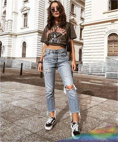 111 school outfit teenage to look cool and fashionable Cute Casual Outfits, Edgy Outfits, Fashion Outfits, Grunge Outfits, Vintage Outfits, Low Rise Skinny Jeans, College Outfits, Mode Style, Look Cool