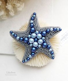 Bead Embroidery Tutorial, Bead Embroidery Patterns, Bead Embroidery Jewelry, Beaded Jewelry Patterns, Hand Embroidery Designs, Beaded Embroidery, Beading Patterns, Brooches Handmade, Handmade Beads