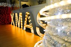 'XMAS 320' from Display collection with warm white E27 LED lamps // © Idolight