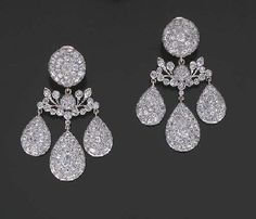 Gold Jewellery Design, Gold Jewelry, Jewelery, Vintage Jewelry, Fine Jewelry, Long Diamond Earrings, Diamond Earing, Art Nouveau Jewelry, Diamond Cuts