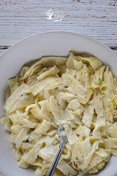 Paste al Limone, cu smantana si fara ~ Casuta Laurei Recipe Maker, Romanian Food, Cooking Recipes, Healthy Recipes, Linguine, Weeknight Meals, Easy Peasy, Stay Fit, Macaroni And Cheese