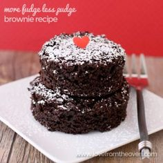 More Fudge Less Pudge Brownie Recipe. So simple, easy and delicious!  #brownies #lowfat #recipe