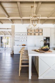 I am so excited and honored to have one of my favorite projects, the Mountain Ranch Project , featured on Elle Decor . This Park City mountain home is a refined rustic getaway and I can't wait to… Home Decor Kitchen, New Kitchen, Kitchen Dining, Kitchen Cabinets, Kitchen Island, White Cabinets, Kitchen Ideas, Awesome Kitchen, Beautiful Kitchen