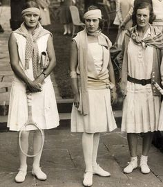 I don't know anything about tennis. but I love these tennis players outfits! Tennis Outfits, Tennis Dress, Tennis Clothes, Tennis Wear, Nike Clothes, Athletic Clothes, Wimbledon, Roaring Twenties, The Twenties