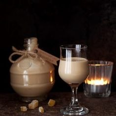 Gingerbread Cream Liqueur is deeply warming and comforting. This smart winter tipple blends spice-infused rum and fresh cream in a way that is hard to resist. Treat yourself, or a loved one, to a bottle of this rum liqueur this winter. Homemade Liqueur Recipes, Homemade Baileys, Homemade Liquor, Rum Cream, Cream Liqueur, Fresh Cream, Cocktails With Malibu Rum, Rum Cocktail Recipes, Drink Recipes