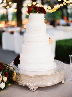 Elegant white wedding cake: http://www.stylemepretty.com/texas-weddings/dallas/2015/04/15/colorful-garden-soiree/ | Photography: Sarah Kate - http://sarahkatephoto.com/
