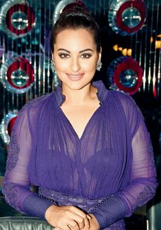 Peek-a-boo: Sonakshi Sinha dons the sheer dress Sonakshi Sinha dons the sheer dress. While promoting her next film 'Holiday' on a TV show, Sonakshi Sinha was seen in a sheer top that revealed just enough of what lied beneath Bollywood Actress Hot Photos, Indian Actress Hot Pics, Indian Bollywood Actress, Bollywood Girls, Beautiful Bollywood Actress, Bollywood Fashion, Beautiful Actresses, Indian Actresses, Bollywood Saree
