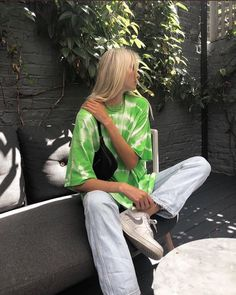 Street style and outfit inspo. Indie Outfits, Cute Casual Outfits, Retro Outfits, Vintage Outfits, Fashion Outfits, Green Outfits, Urban Style Outfits, Fashion Tips, Simple Outfits