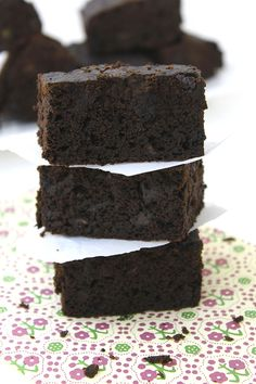 Gluten-Free Black Bean & Spinach Brownies == The Healthy Maven