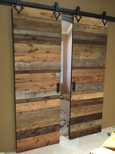 metal barn homes Back room doors Barn Door Hinges, Diy Sliding Barn Door, Diy Barn Door, Barn Door Hardware, Sliding Doors, Rustic Barn Doors, Barn Wood Decor, Door Brackets, Hanging Barn Doors