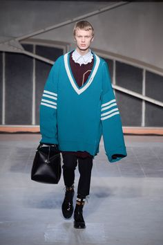 Raf Simons FALL16 - Menswear collection - Oversize Sweater - GQ Style
