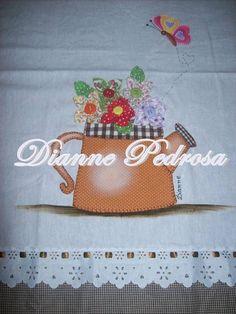 Tecido em linho panamá com bico bordado, barrado em tecido de algodão,fita de cetim, fuxico e pintura