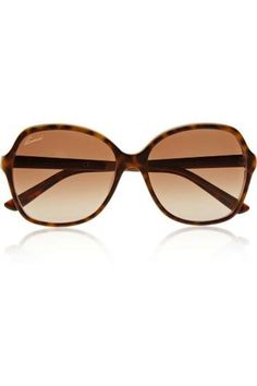 575e38ef56b Tortoiseshell acetate UV protection Come in a designer-embossed brown  leather case