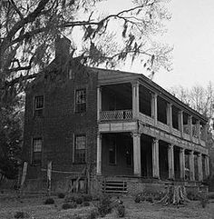 Oakland Plantation, situated on a bluff overlooking the Cape Fear River in Bladen County, North Carolina, was built over 200 years ago by General Thomas Brown, an American Revolutionary War patriot. It is one of a few houses of its period in North Carolina still being used today.  http://en.wikipedia.org/wiki/Oakland_Plantation_%28Carvers,_North_Carolina%29  f