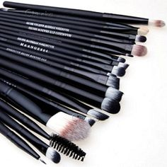 How to Apply Eyeshadow For Beginners: A Step-By-Step Guide. First of all: Understand brushes and choose the right one