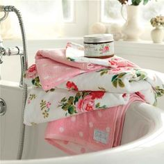 Cath Kidston Antique Rose bath towels -  oooo i think i like these for the spring! #FloralShop