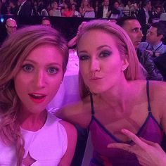 Brittany Snow and Anna Camp snapped a supercute selfie at the 2015 iHeartRadio Music Awards.
