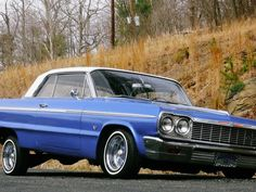 The mid 60s – beautiful, long and elegant lines. And the lowrider. Specific style of american car tuning. 1964 Chevrolet Impala is the most typical car of this style. And it's the one we will have a look at today.