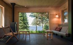 Love this room, especially built in couch. Family Retreat by Salmela Architect (15)